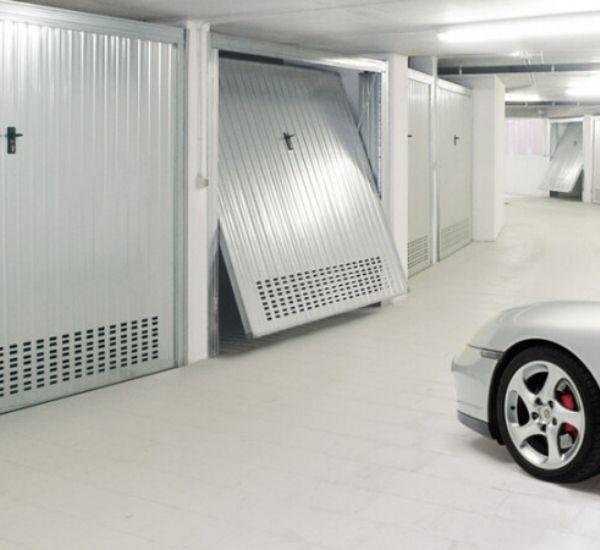 Basculante per il garage zincato
