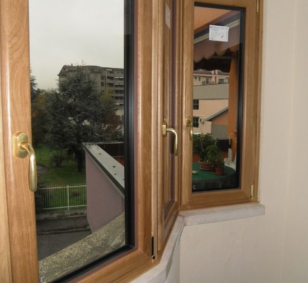 serramenti di alluminio legno naturale e ottone