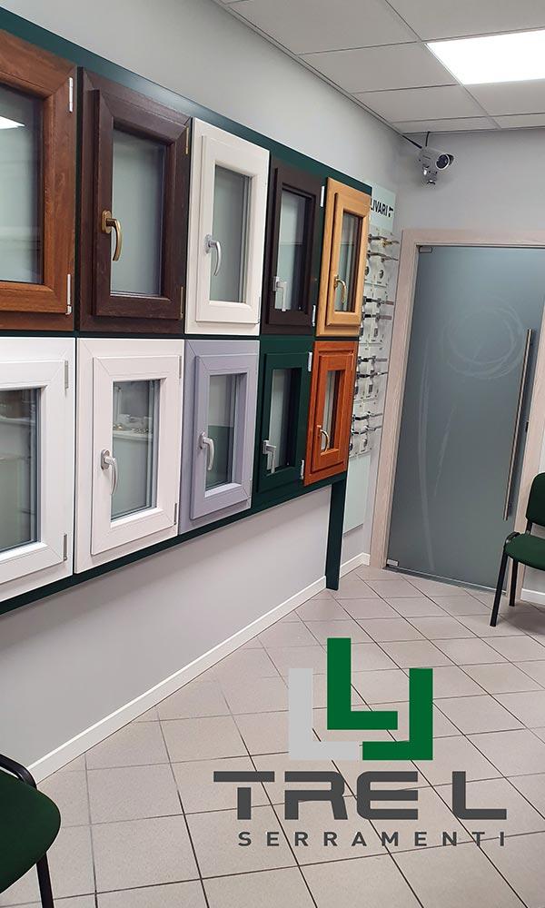 Showroom Tre L Serramenti interno